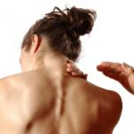 При проблемах в шейном отделе, головных болях, снижении слуха и зрения