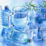 Кофеин – это натуральное мочегонное. Он заставляет организм выводить больше воды, чем ее содержится в напитке.