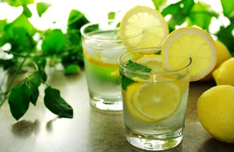 Лимонная вода - лимонад